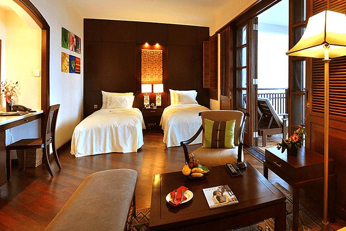 Phòng Deluxe hướng biển tại Furama Đà Nẵng