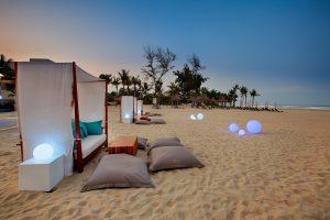 Quầy Azure Beach Lounge tại Pullman Resort Đà Nẵng