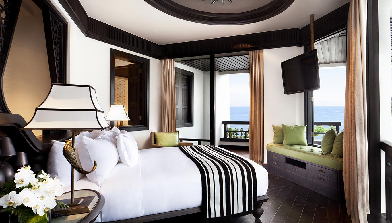 Bên trong phòng ngủ Sơn Trà Room của Intercontinental Resort Đà Nẵng