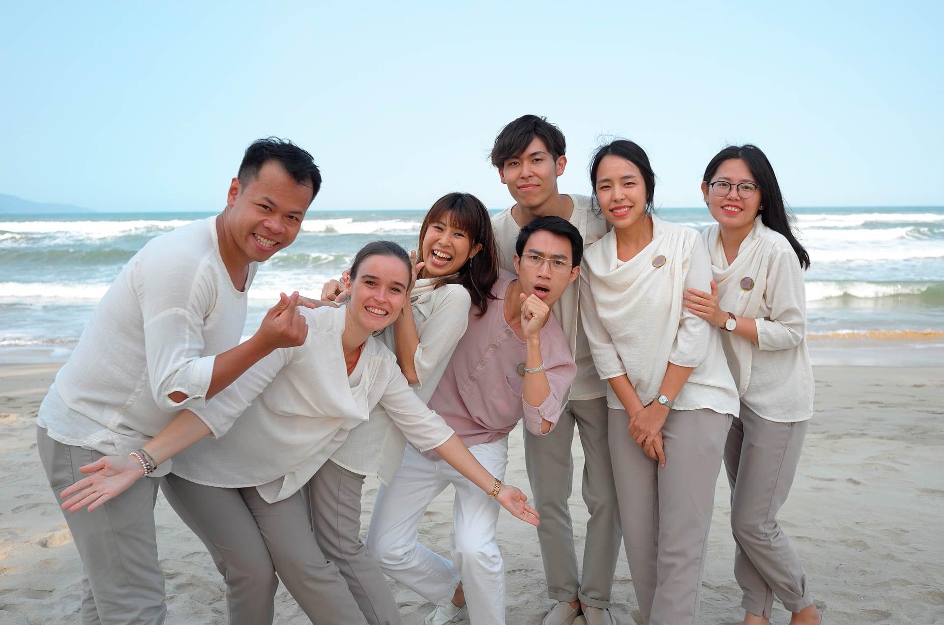 Đội Fusionista luôn luôn hỗ trợ khách hàng tại Fusion Maia Đà Nẵng