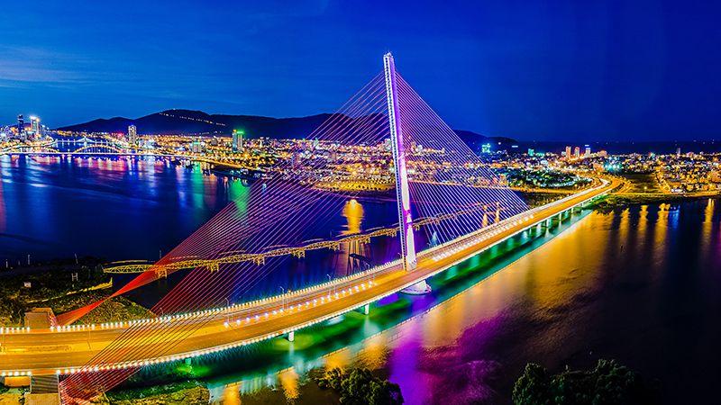 Thành phố Đà Nẵng lung linh ánh đè vào ban đêm