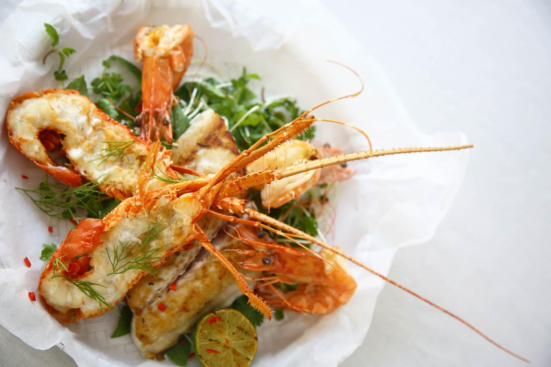 Thưởng thức những món ăn tươi ngon tại Nhà hàng Fresh Fusion Maia Resort