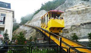 Tàu hỏa leo núi tại Bà Nà Hills Đà Nẵng