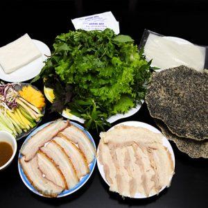Thưởng thức bánh tráng cuốn thịt heo tại Đà Nẵng