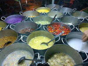 Thưởng thức những món chè ngọt lịm tại chợ Cồn Đà Nẵng