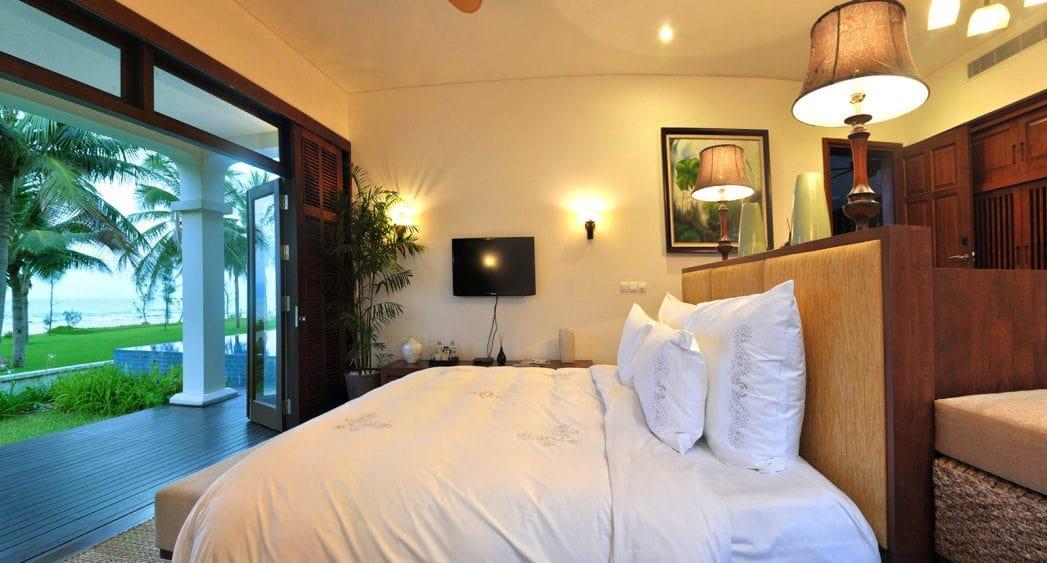 Phòng ngủ hướng biển tại biệt thự Furama Đà Nẵng