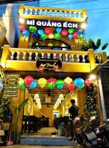 Đến Bếp Trang cơ sở Lê Đình Dương để thưởng thức mỳ quảng ếch