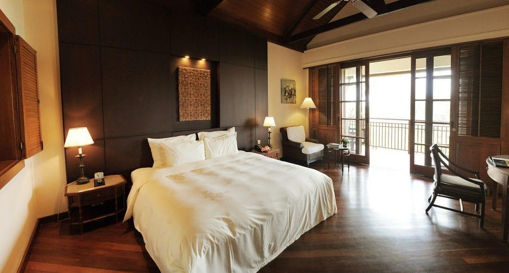 Giường Double của phòng garden superior resort Furama Đà Nẵng