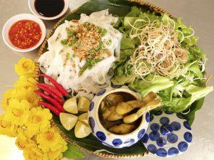 Mãn nhãn với cách trang trí mẹt Mỳ quảng Ếch tại Bếp Trang Đà Nẵng