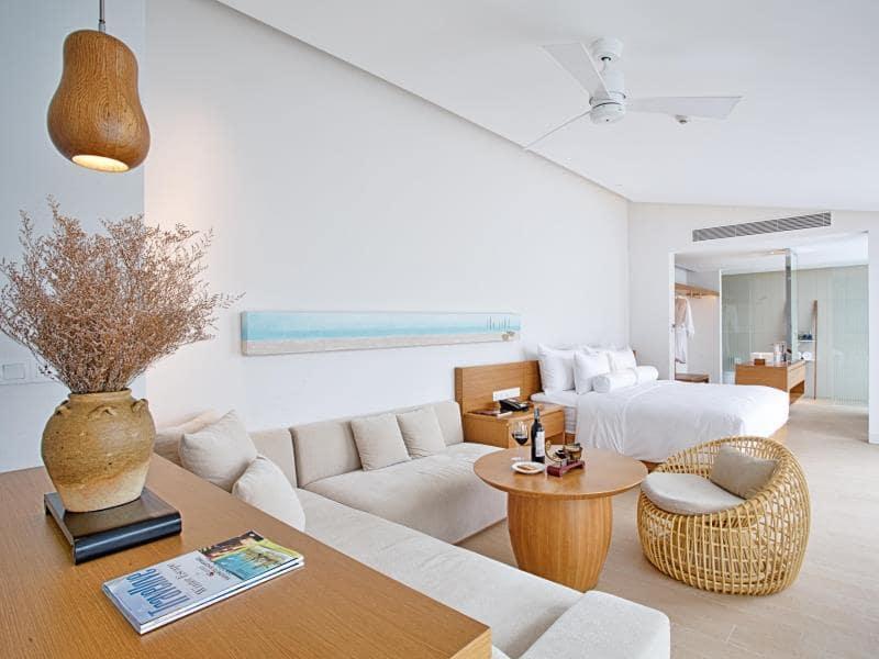Phòng khách sang trọng tại Resort Naman Đà Nẵng