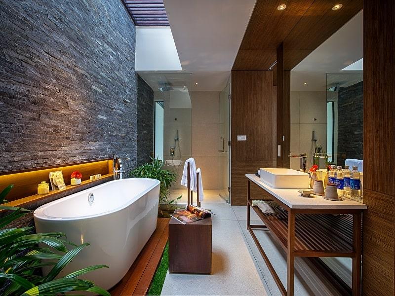 Phòng tắm của Villa 3 phòng ngủ Naman Retreat Đà Nẵng