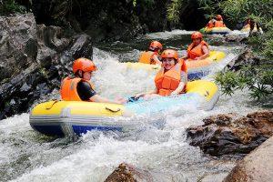 Trải nghiệm trượt thác tại Hòa Phú Thành