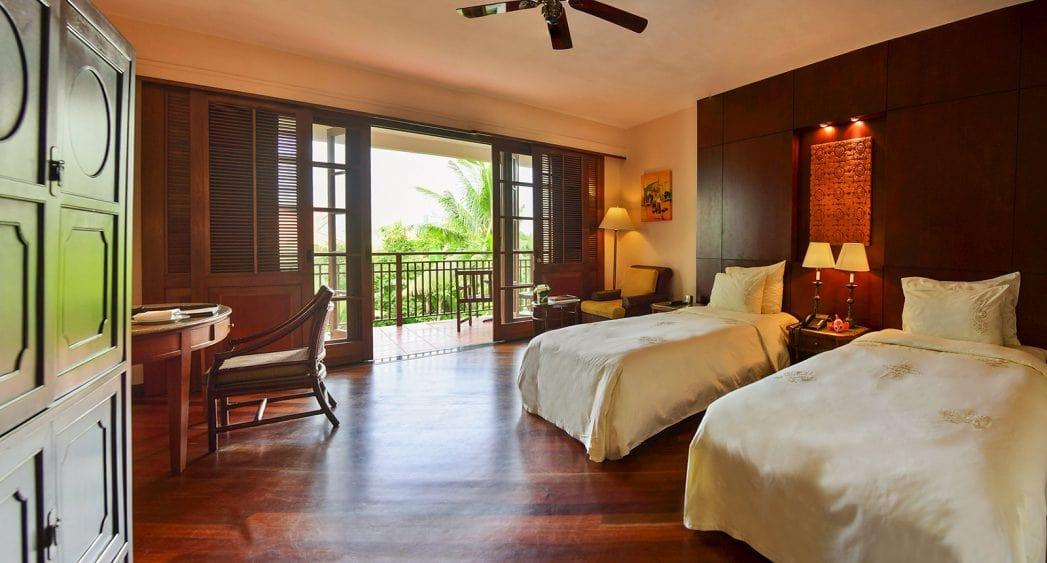 Giường Twins của phòng garden superior resort Furama Đà Nẵng