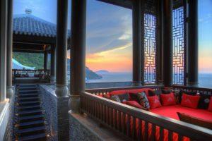 Phong cách cổ điển trong chòi vọng - InterContinental Đà Nẵng Resort