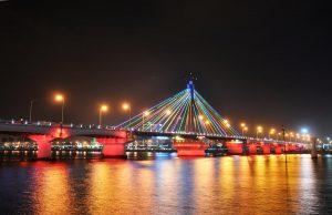 Lung linh cầu sông Hàn về đêm