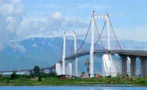 Thưởng thức cảnh đẹp choáng ngợp trên cầu Thuận phước