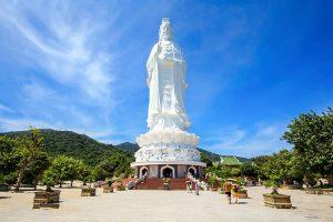 Tượng phật bà Quan Âm cao nhất Việt Nam tại chùa Linh Ứng