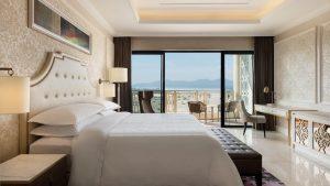 Phòng Deluxe tại khu nghỉ dưỡng Sheraton Đà Nẵng