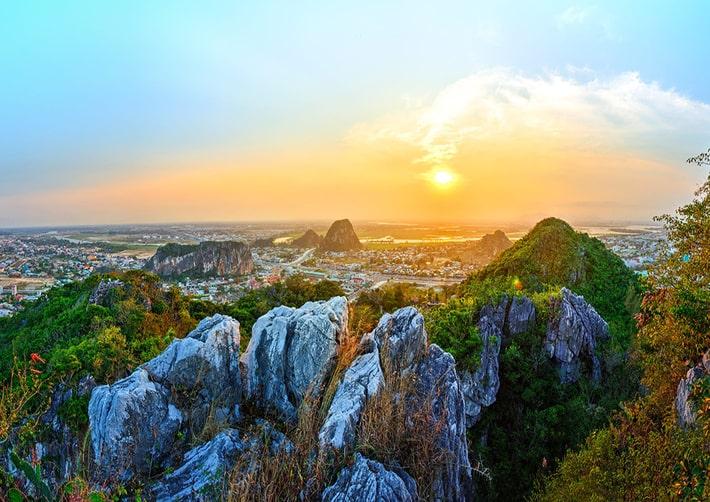 Nhìn từ Ngũ Hành Sơn có thể thấy Naman Resort Đà Nẵng