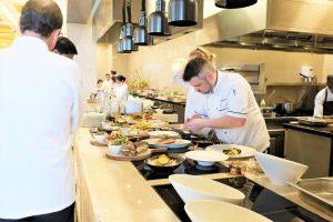 Học nấu ăn với các đầu bếp tài năng tại khu nghỉ dưỡng Sheraton Đà Nẵng
