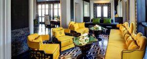 Bên trong nhà hàng Citron với hai tông màu xanh vàng nổi bật