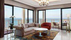 Căn phòng Deluxe Suite với thiết kế mở hòa cùng thiên nhiên rất hoàn hảo của khu nghỉ dưỡng Sheraton Đà Nẵng