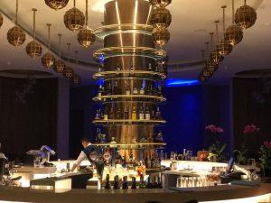 Thưởng thức nhiều loại rượu tại Mix Bar Resort Sheraton Đà Nẵng