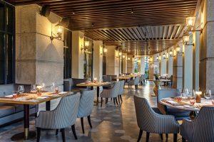 Không gian thưởng thức ẩm thực ấm cúng và sang trọng tại nhà hàng The Grill Sheraton Đà Nẵng