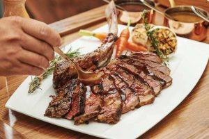 Ẩm thực đặc sắc đang thưởng thức tại nhà hàng The Grill Sheraton Đà Nẵng