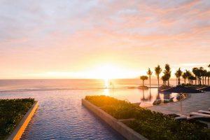 Khu nghỉ dưỡng Sheraton Đà Nẵng nằm trên bãi biển Non Nước thơ mộng hấp dẫn du khách