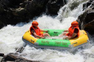 Xóa tan cái nắng mùa hè khi trượt thác tại khu du lịch Hòa Phú Thành Đà Nẵng