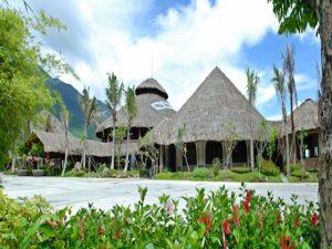 Các căn nhà của người dân Cơ Tu độc đáo sẽ là nơi nghỉ ngơi dành cho bạn tại Hòa Phú Thành Đà Nẵng