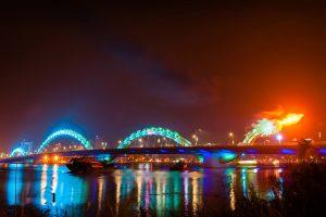 Cầu Rồng phun lửa