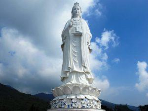 Tượng Phật Bà Quan Thế Âm tại chùa