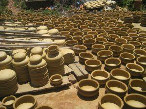 Nhiều sản phẩm làm từ gốm