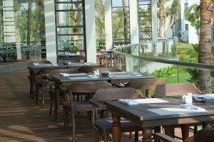 Không gian thoáng đãng và sang trọng tại các nhà hàng