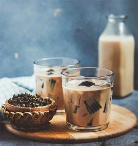 Trà sữa là món đồ uống không thể thiếu của mọi người