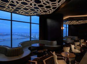 Rooftop Bar không gian tĩnh lặng và thư giãn