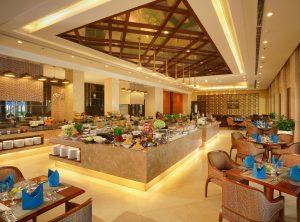 Nhà hàng được thiết kế sang trọng với nhiều món ăn ngon